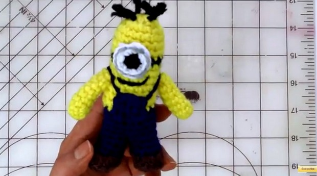 Tiny Crochet Minion Tutorial