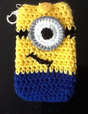 Minion cell phone case