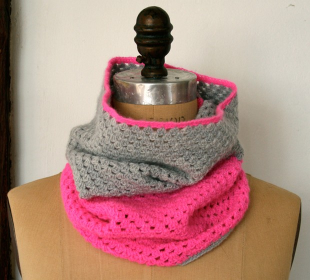 Two color crochet cowl