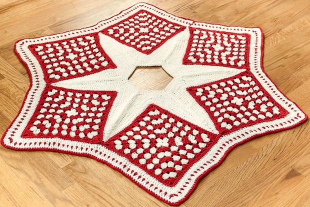 Beautiful Granny Square Christmas Tree Skirt ? Free ...