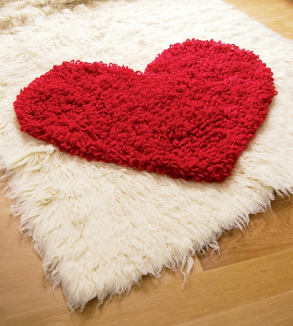 Beautiful Crochet Heart Rug - Free Pattern!