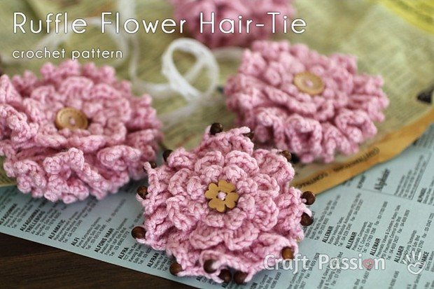 Crochet flower hair ornament