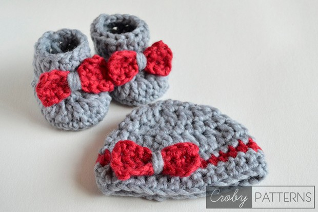 Crochet Baby Booties and Beanie