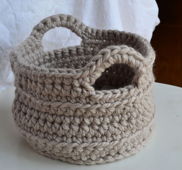 Crocheting Easy Projects : Fabulous DIY Crochet Basket - Free Pattern! - Crochet Maze