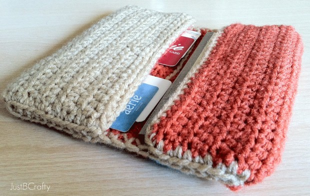 Crochet Your Own Wallet with this Free DIY Pattern and ...