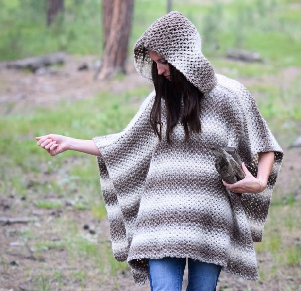 Easy Beautiful Hooded Crochet Poncho Free Pattern