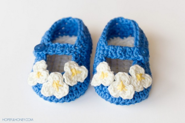Adorable Vintage Style Crochet Mary Jane Baby Booties Free Pattern