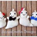 crochet amigurumi ghosts