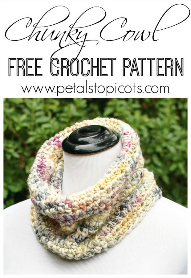 Super Easy And Stylish Chunky Crochet Cowl Free Pattern
