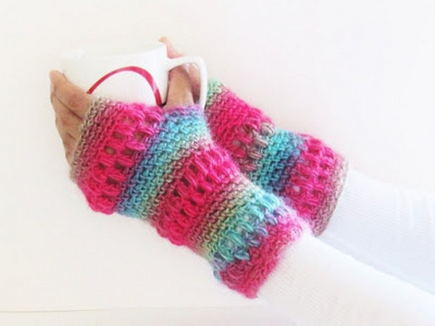 These Colorful Crochet Fingerless Gloves Are Easy To Make Free