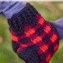 crochet buffalo plaid mittens