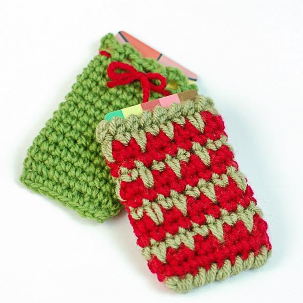 Crochet Christmas Gift Card Holder free pattern