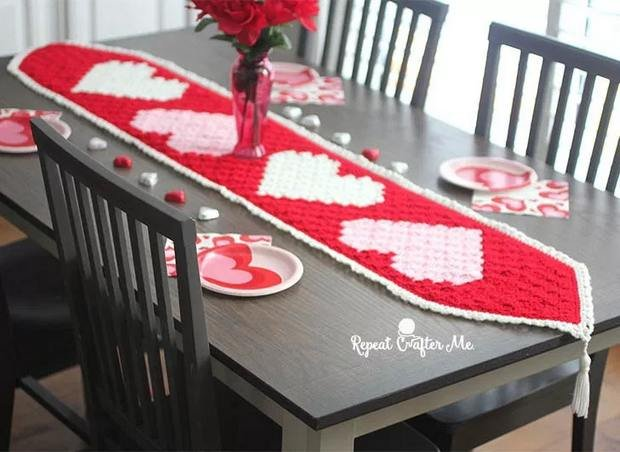 Free Pattern Crochet C2c Valentines Day Table Runner With Hearts