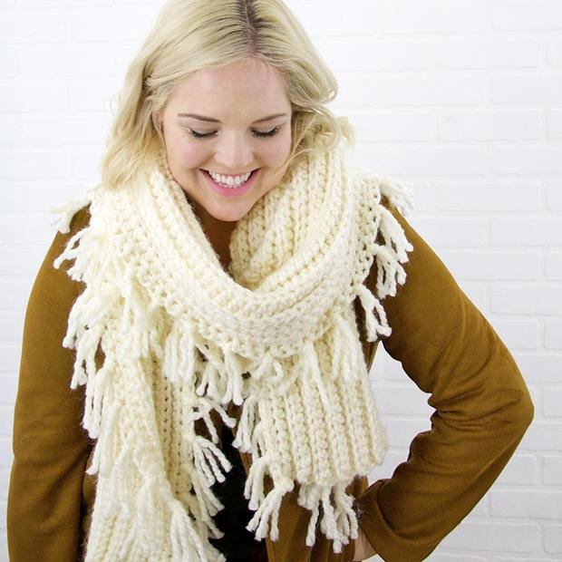 FREE Pattern] Easy and Stylish Knit-Like Chunky Crochet Scarf with ...