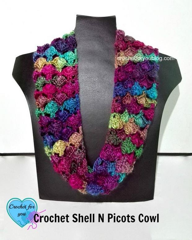 Crochet Cowl Red Heart Unforgettable Yarn f free pattern