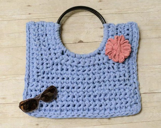 Crochet T-Shirt Yarn Tote Bag free pattern